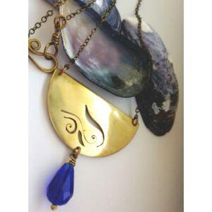Fűrészelt sárgaréz, kék színű nyaklánc