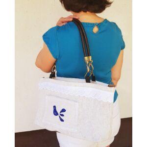 Kézműves női táska zsákvászonból – kékfestős madaras mintával, kis zsebbel