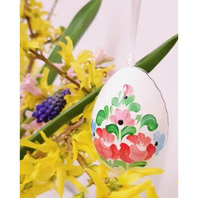 Fehér, kézműves húsvéti fatojás