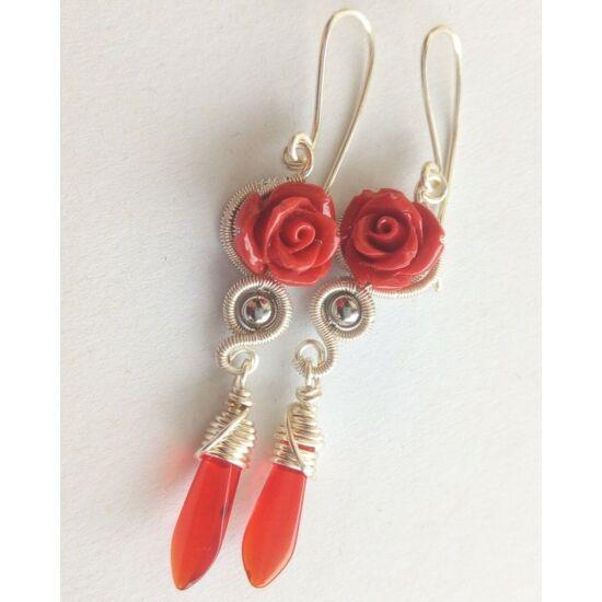 Ezüst és piros rózsa fülbevaló