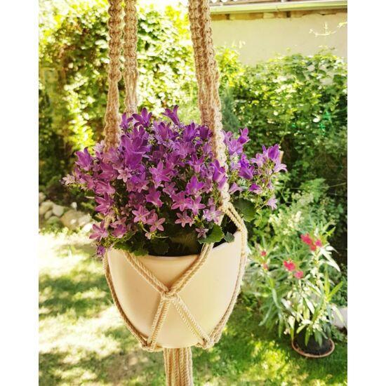 Rusztikus egyes makramé virágtartó, krémfehér pamutfonalból