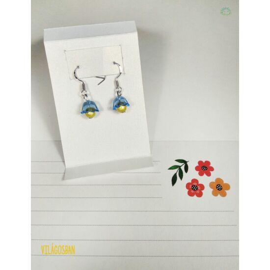 Kézműves fényvisszaverő fülbevaló, kék virágos